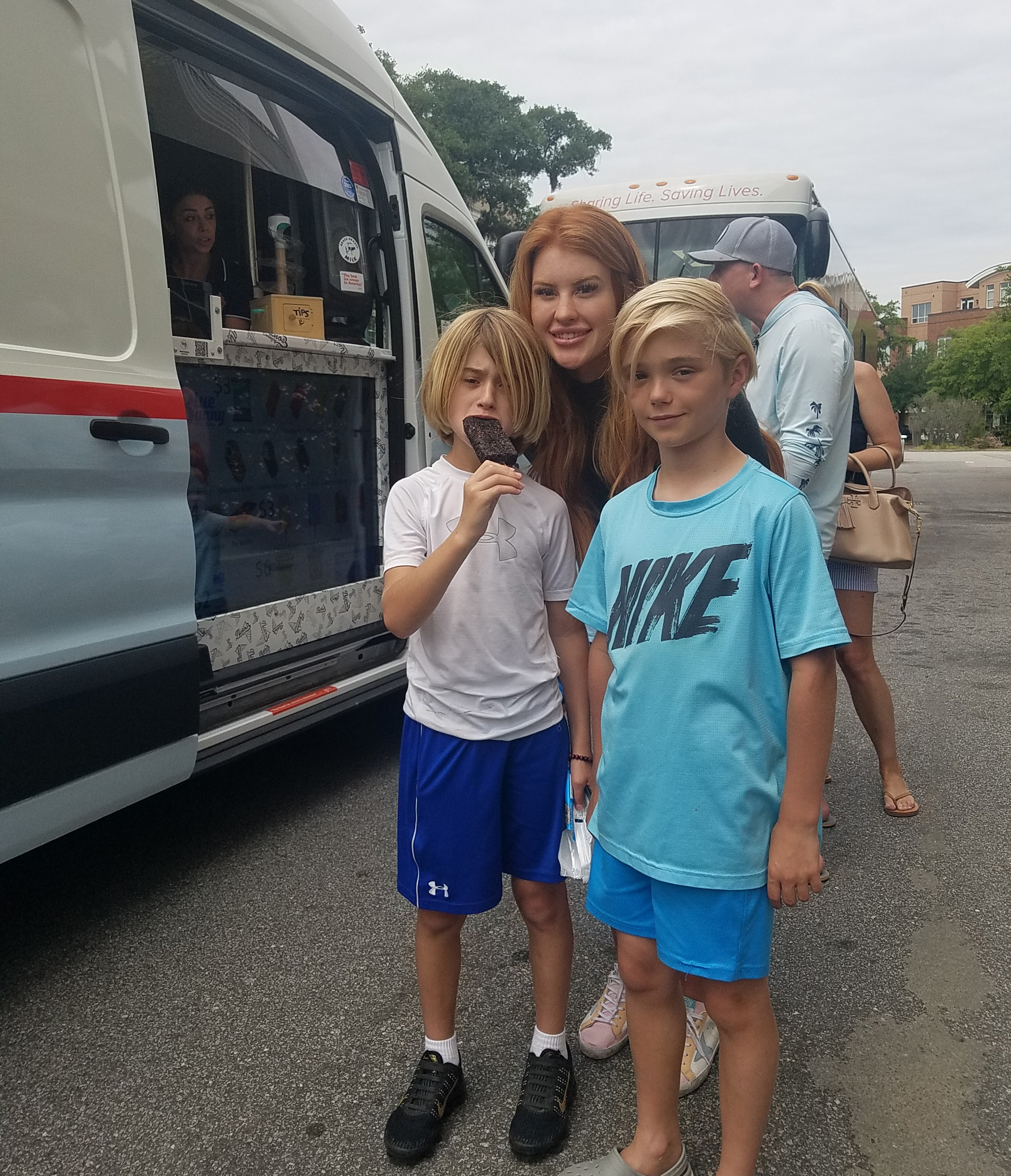 Suzanne Detar - Sabastian, Christian and Kayla stopped by Nino's ice cream truck.