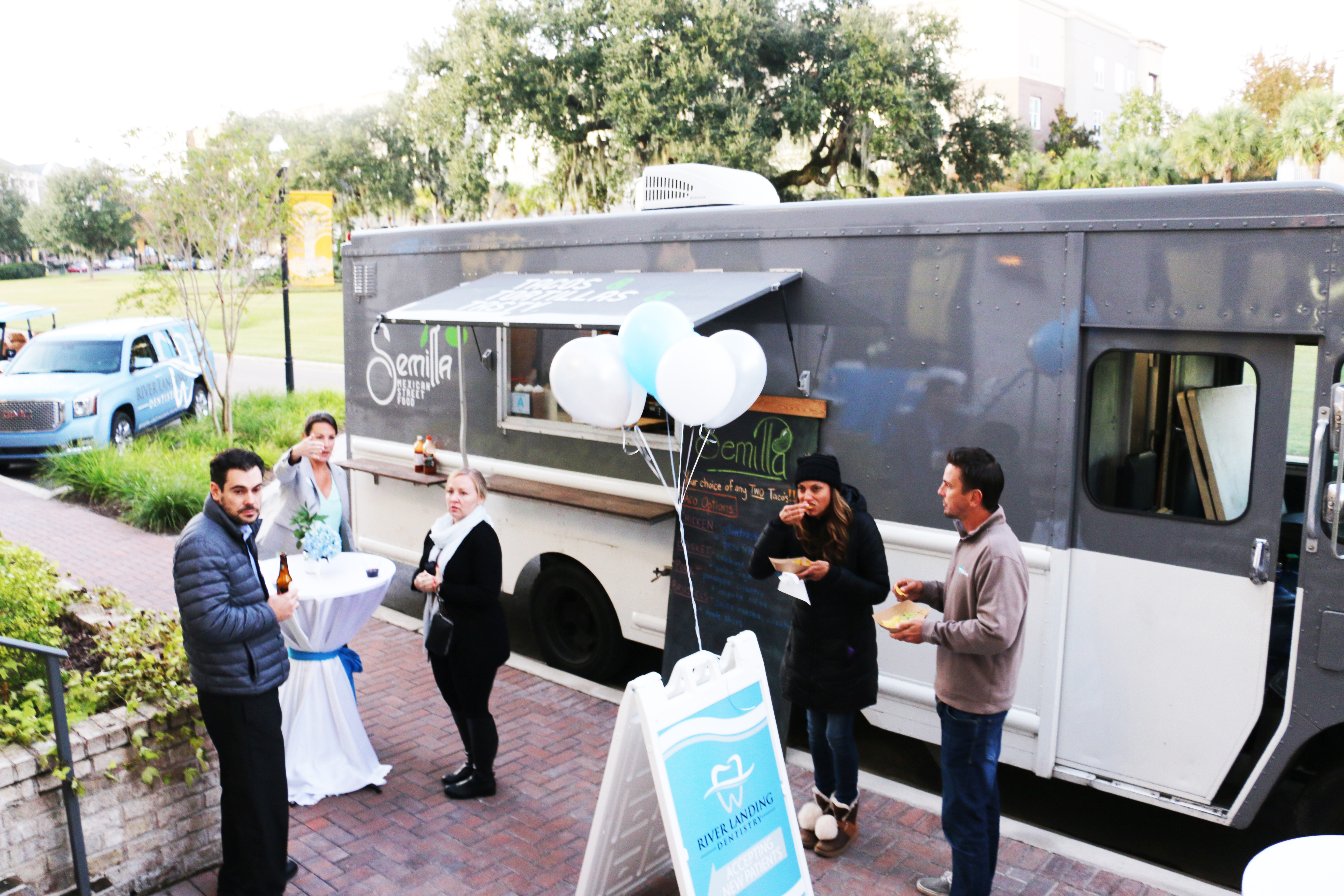 River Landing Dentistry entertained guests during an event last week with a food truck, lobster rolls, drinks, and music.