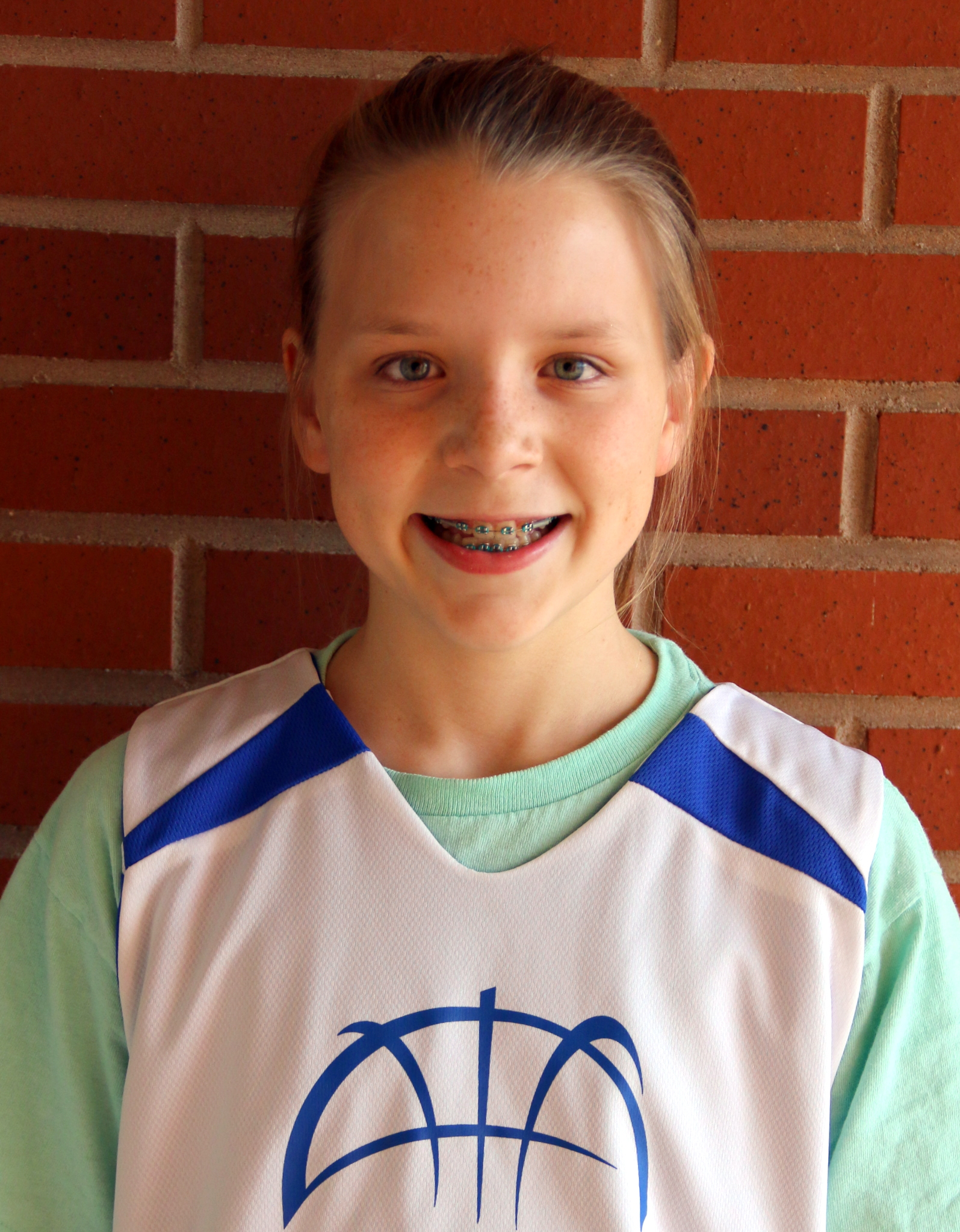 "KELSEY KIEFER 6th grade girls ""Kelsey Kiefer claims 'Player of the Week' honors for the 6th grade girls team, which extended their winning streak to six games with a 12-8 victory on Saturday against Sedgefield. Kelsey only scored two points, but her ball-hawking defense, rebounding, and passing were key to the win. Kelsey's leadership has been instrumental throughout the season. This brings the Ospreys record to 6-4, one win away from achieving their goal of making the playoffs after an 0-4 start."""