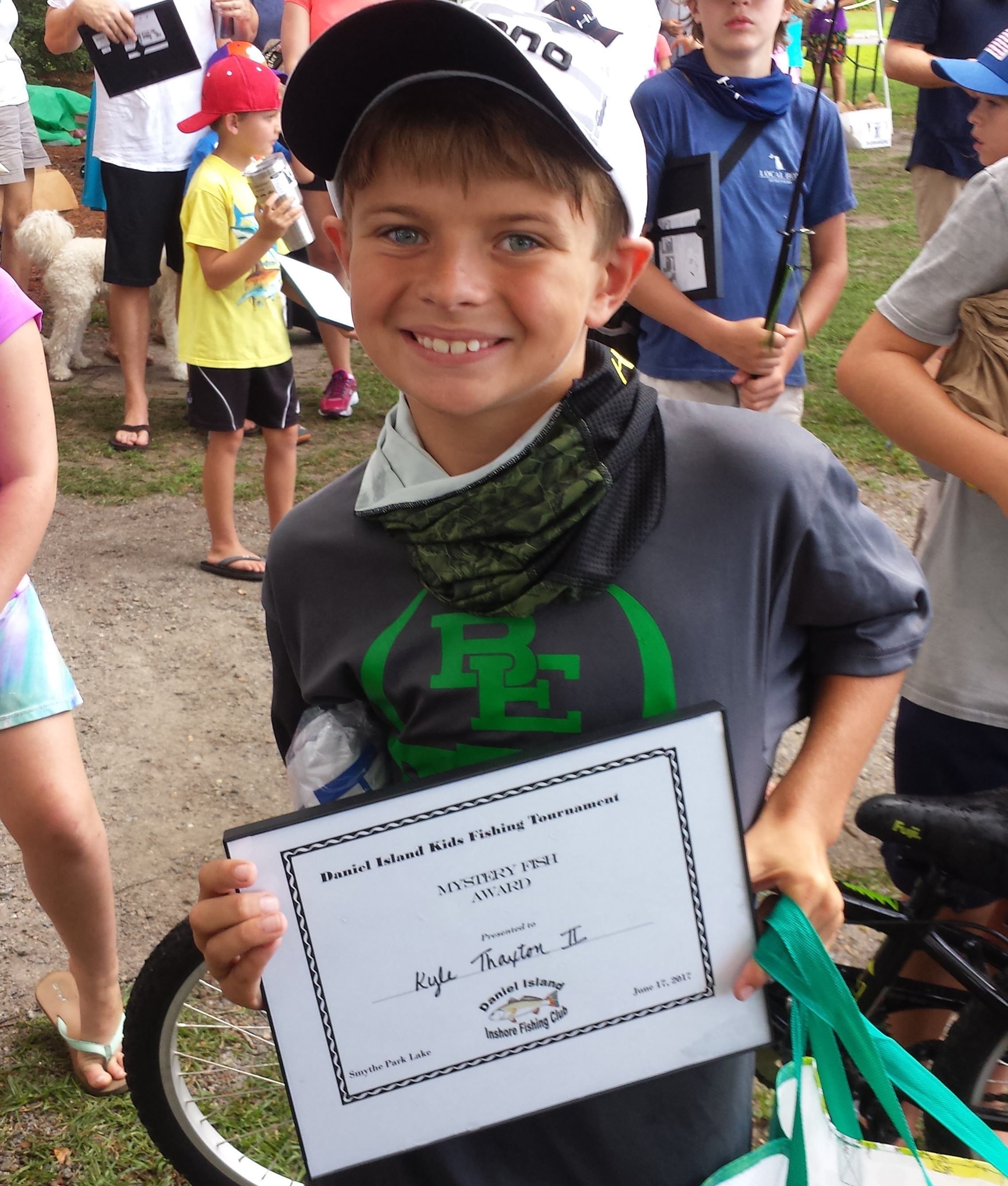 Kyle Thaxton II won the Mystery Fish Award with a 20 inch eel.
