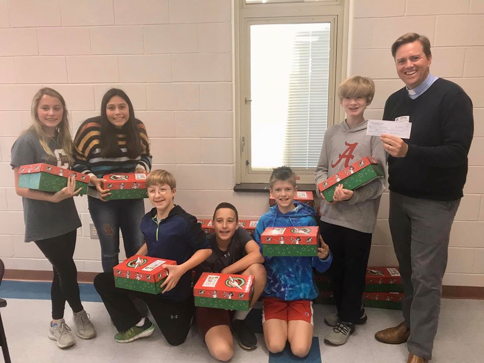 The Rotary Club helped The Daniel Island School Do Gooders Club with their holiday project.